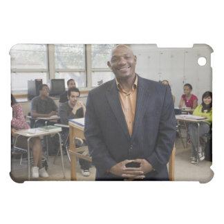 Profesor en sala de clase con los estudiantes