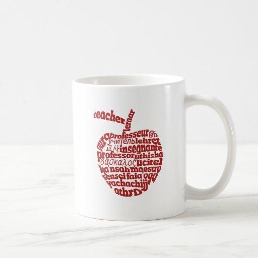Profesor en todo el rojo Apple de las idiomas Taza Clásica