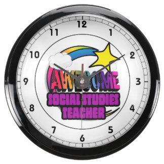 Profesor impresionante de los estudios sociales de reloj aquavista