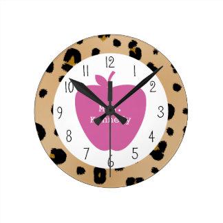 Profesor rosado de Apple del estampado leopardo Reloj De Pared