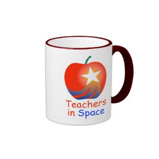 Profesores en la taza del campanero del espacio (r