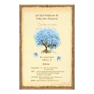 Programa azul caprichoso del boda del árbol de la tarjetón