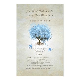 Programa azul caprichoso del boda del árbol de la tarjeta publicitaria