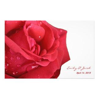 Programa brillante del boda del rosa rojo tarjetón