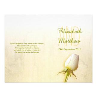 """Programa del boda del brote del rosa blanco folleto 8.5"""" x 11"""""""