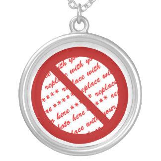 Prohíba o símbolo de la prohibición - añada la colgante redondo