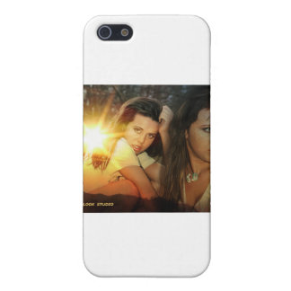 PROLOOK HOTSHOTS MODEL -  LEIGH FOX COVER FOR iPhone 5