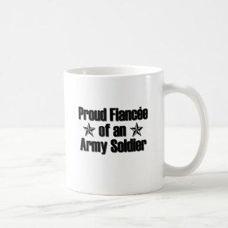 Prometido orgulloso del soldado del ejército taza