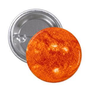 Prominencia estupenda - Sun en espacio Pin Redondo De 1 Pulgada