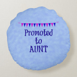 Promoted to Aunt, banner on blue bokeh background Round Pillow