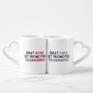 Promovido a los abuelos taza para parejas