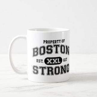 Propiedad de Boston fuerte Taza Clásica