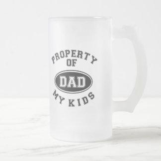 Propiedad de mi taza helada del día de padre de