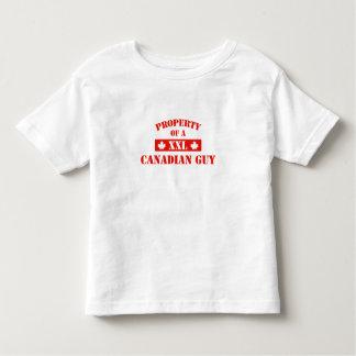 Propiedad de un individuo canadiense tee shirts