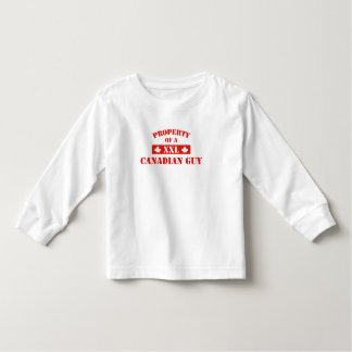 Propiedad de un individuo canadiense tshirts