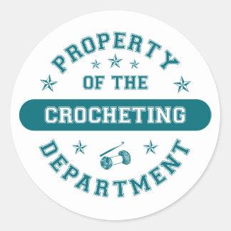 Propiedad del departamento Crocheting Pegatina Redonda