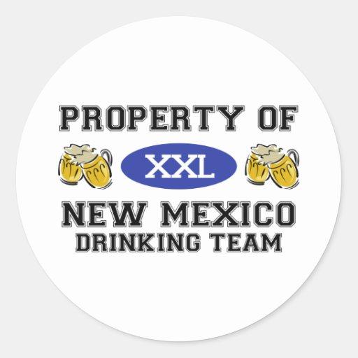 Propiedad del equipo de consumición de New México Pegatina Redonda