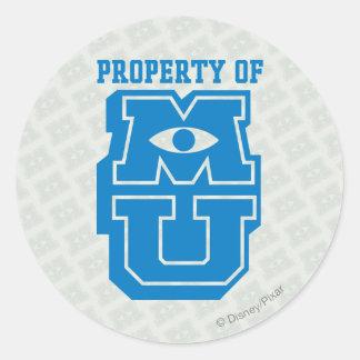 Propiedad del logotipo de MU Pegatina Redonda