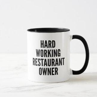 Propietario de restaurante de trabajo duro