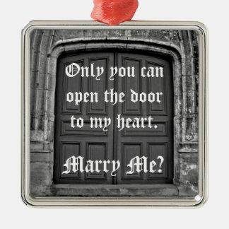 Propuesta de matrimonio gótica de la puerta de la ornamentos de navidad