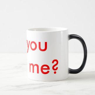Propuesta de matrimonio ocultada taza de café