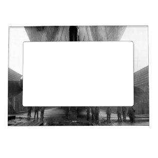Propulsores titánicos marcos magneticos de fotos