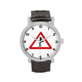 Prostitutas de la atención (1), señal de tráfico, relojes de pulsera