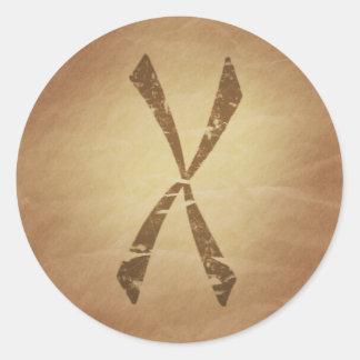 Protección contra encantos mágicos nórdicos del pegatina redonda