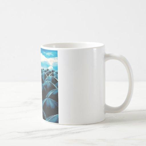 Protección de lluvia diaria abstracta taza clásica