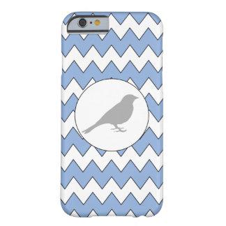 Protector azul claro del iPhone del zigzag gris Funda Para iPhone 6 Barely There