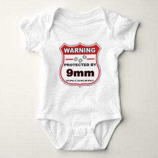 protegido por 9m m shield.png body para bebé