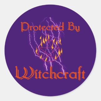 Protegido por la brujería etiquetas redondas