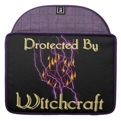 Protegido por la brujería funda macbook pro