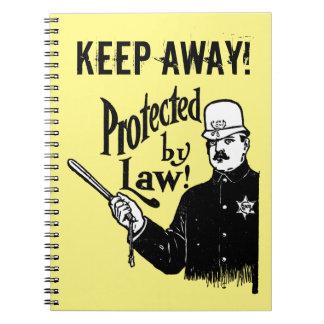 Protegido por la policía de la ley libros de apuntes