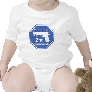 Protegido por la segunda enmienda .png (azul) trajes de bebé