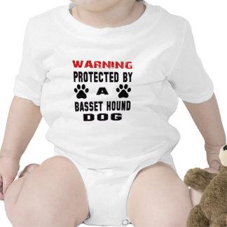 Protegido por un perro de caza del afloramiento traje de bebé