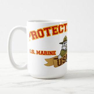 Protegido por un perro de diablo taza de café