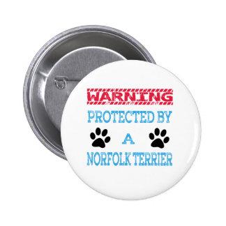 Protegido por un perro de Norfolk Terrier Pin