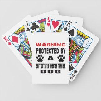 Protegido por un perro de trigo revestido suave barajas de cartas