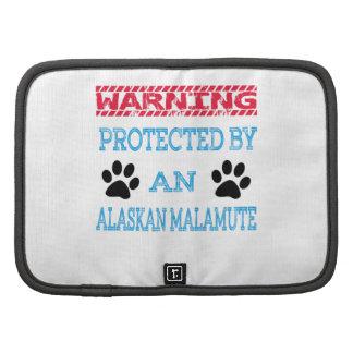 Protegido por un perro del Malamute de Alaska Organizadores