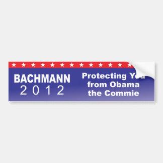 Protegiéndole contra Obama el Commie Pegatina Para Auto