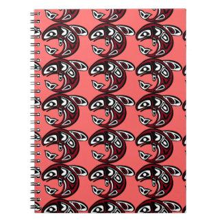 Proteja el cuaderno de color salmón salvaje