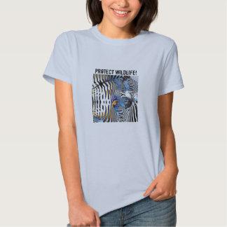 Proteja la camiseta abstracta del modelo de la playera