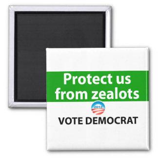 Protéjanos contra defensores: Vote a Demócrata Imán Cuadrado