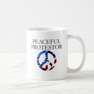 Protestor pacífico taza de café