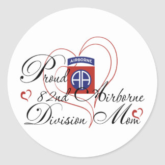 Proud 82nd Airborne Mom Heart Classic Round Sticker