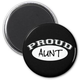 Proud Aunt (White) 2 Inch Round Magnet