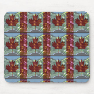 PROUD CANADIAN MAPLE LEAF Pattern Mouse Pad