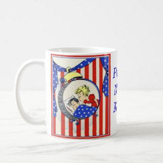 proud Navy MOM vintage print design Coffee Mug