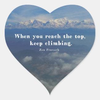 Proverbio de motivación del zen sobre desafíos pegatina en forma de corazón